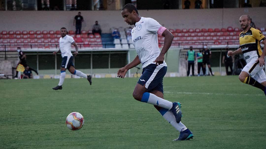 Lance de jogo entre São Bento e Criciúma, pela Série C