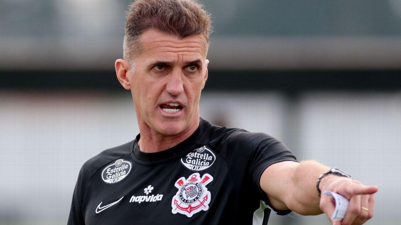 Vagner Mancini comanda treino do Corinthians no CT Joaquim Grava