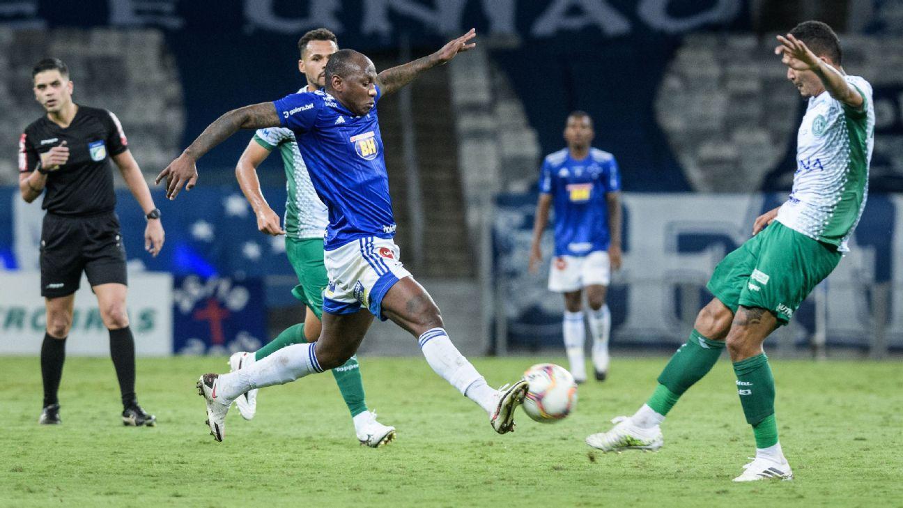 Lance de jogo entre Cruzeiro e Guarani, pela Série B
