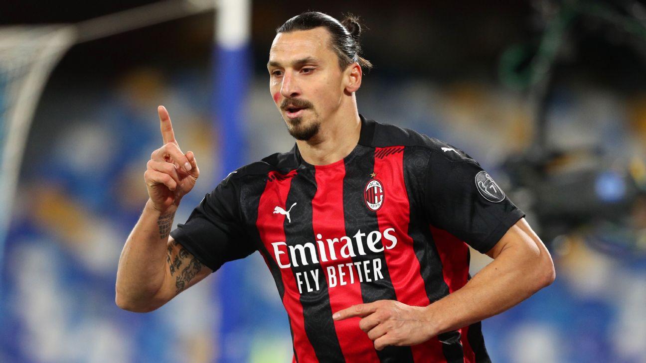 Ibrahimovic comemora gol sobre o Napoli em partida do Milan no San Paolo