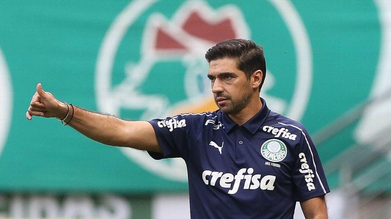 Abel Ferreira durante jogo entre Palmeiras e Athletico-PR, pelo Brasileirão