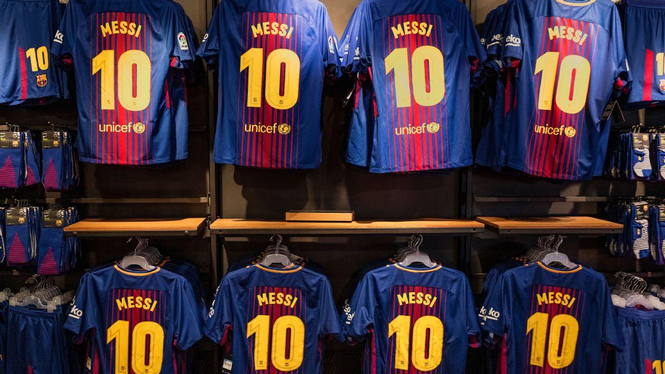 Camisas 10 de Lionel Messi à venda na loja oficial do Barcelona