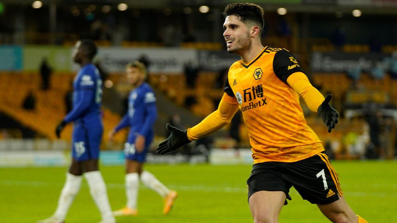 Pedro Neto celebra seu gol, o da vitória do Wolverhampton sobre o Chelsea