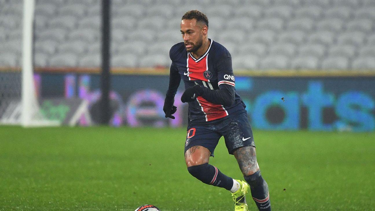 Neymar em ação pelo PSG na partida contra o Olympique de Marselha pela Supercopa da França