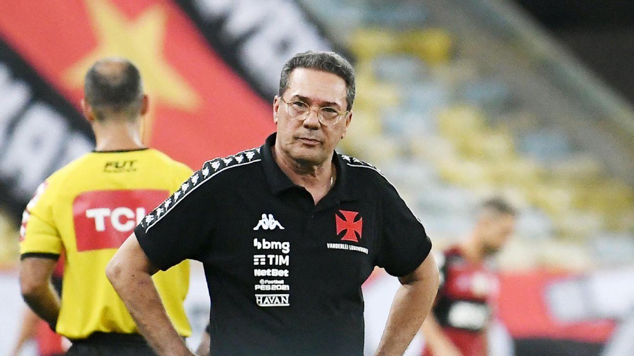 Vanderlei Luxemburgo, técnico do Vasco, na partida contra o Flamengo pelo Brasileirão