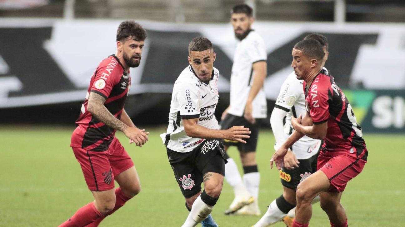 Gabriel, volante do Corinthians, na partida contra o Athletico-PR pelo Brasileirão