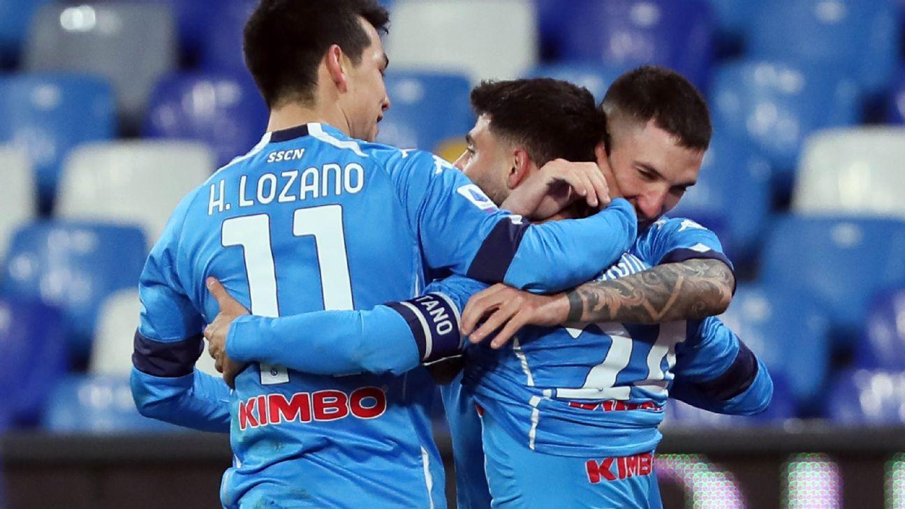 Napoli comemora gol em cima da Juventus pelo Italiano