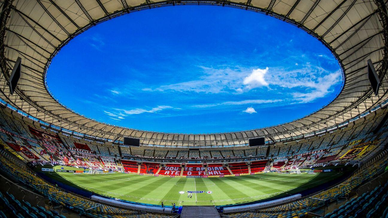 Estádio do Maracanã com homenagem realizada pela torcida do Flamengo