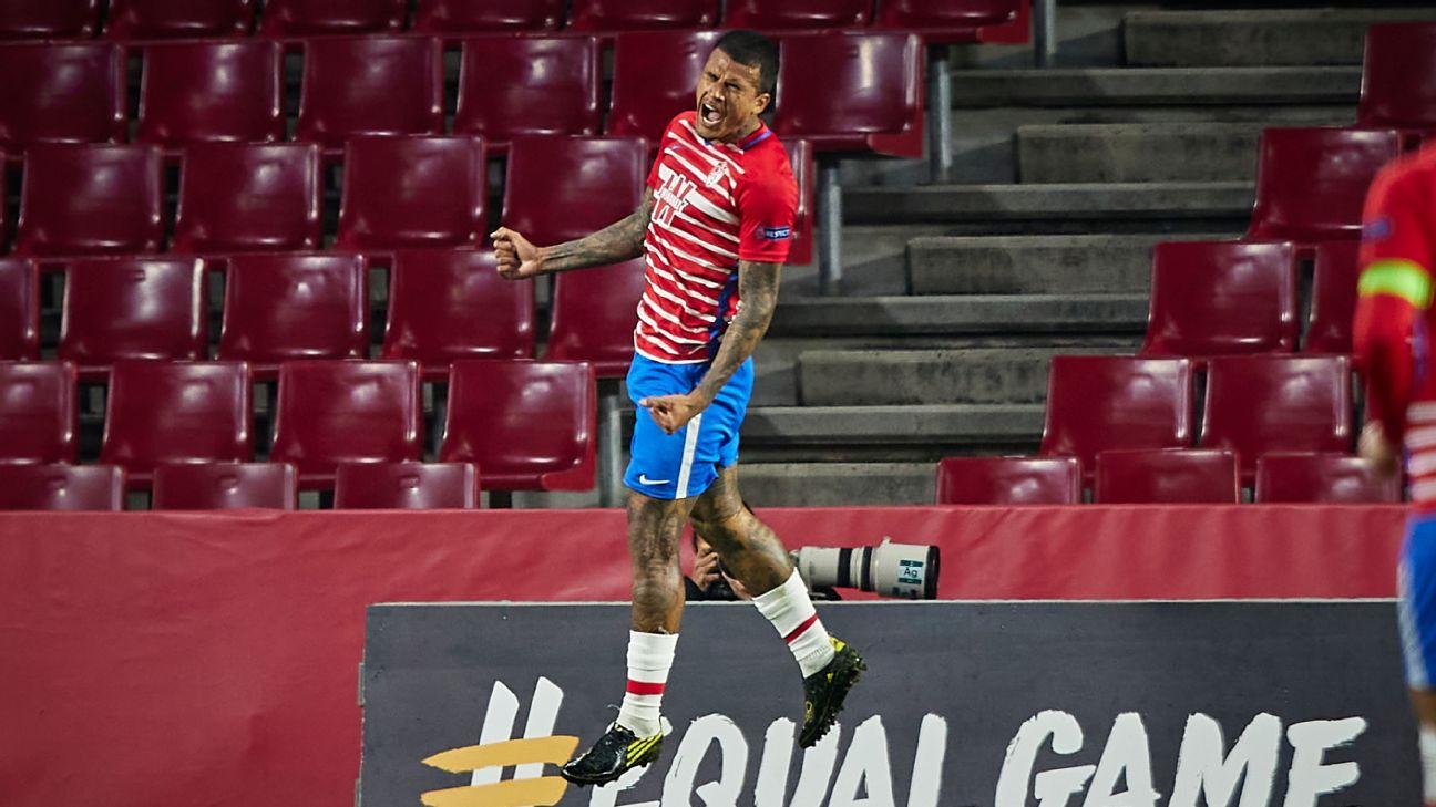 Kenedy comemorando gol marcado pelo Granada contra o Napoli pela Europa League