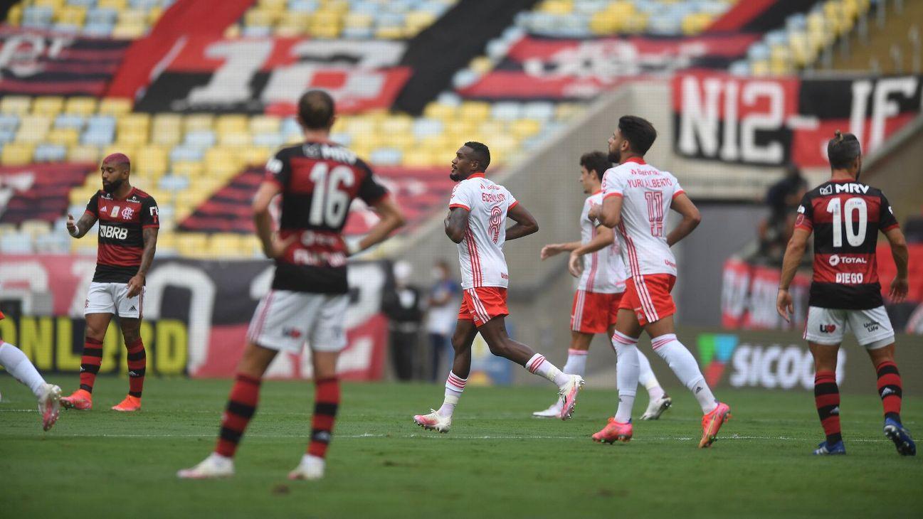 Edenílson comemora após marcar para o Inter sobre o Flamengo
