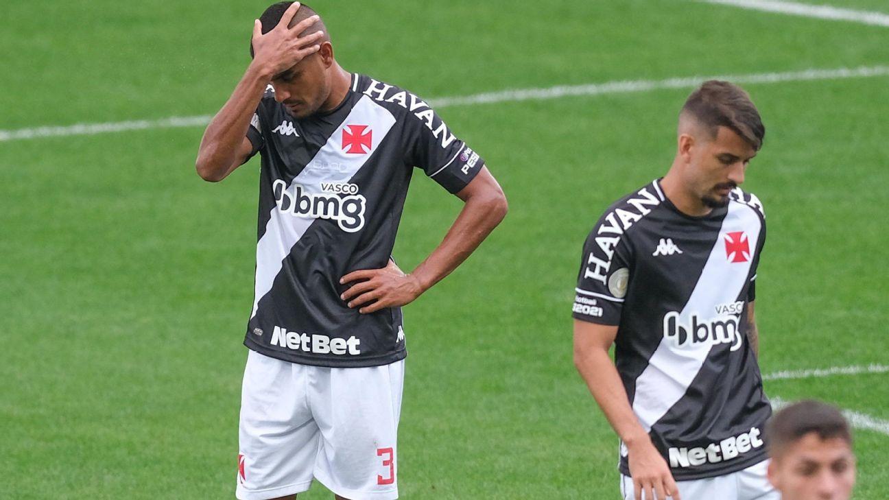 Jogadores do Vasco lamentam empate com o Corinthians, pelo Brasileirão