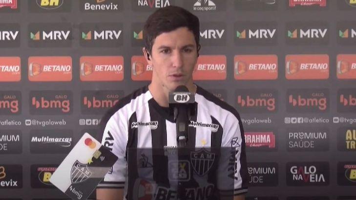 Nacho Fernández em apresentação no Atlético-MG