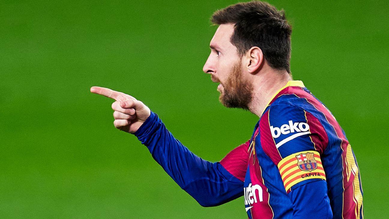 Messi comemora após marcar para o Barcelona sobre o Elche, por LaLiga