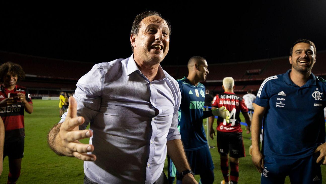 Rogério Ceni comemora o título do Brasileiro no Morumbi