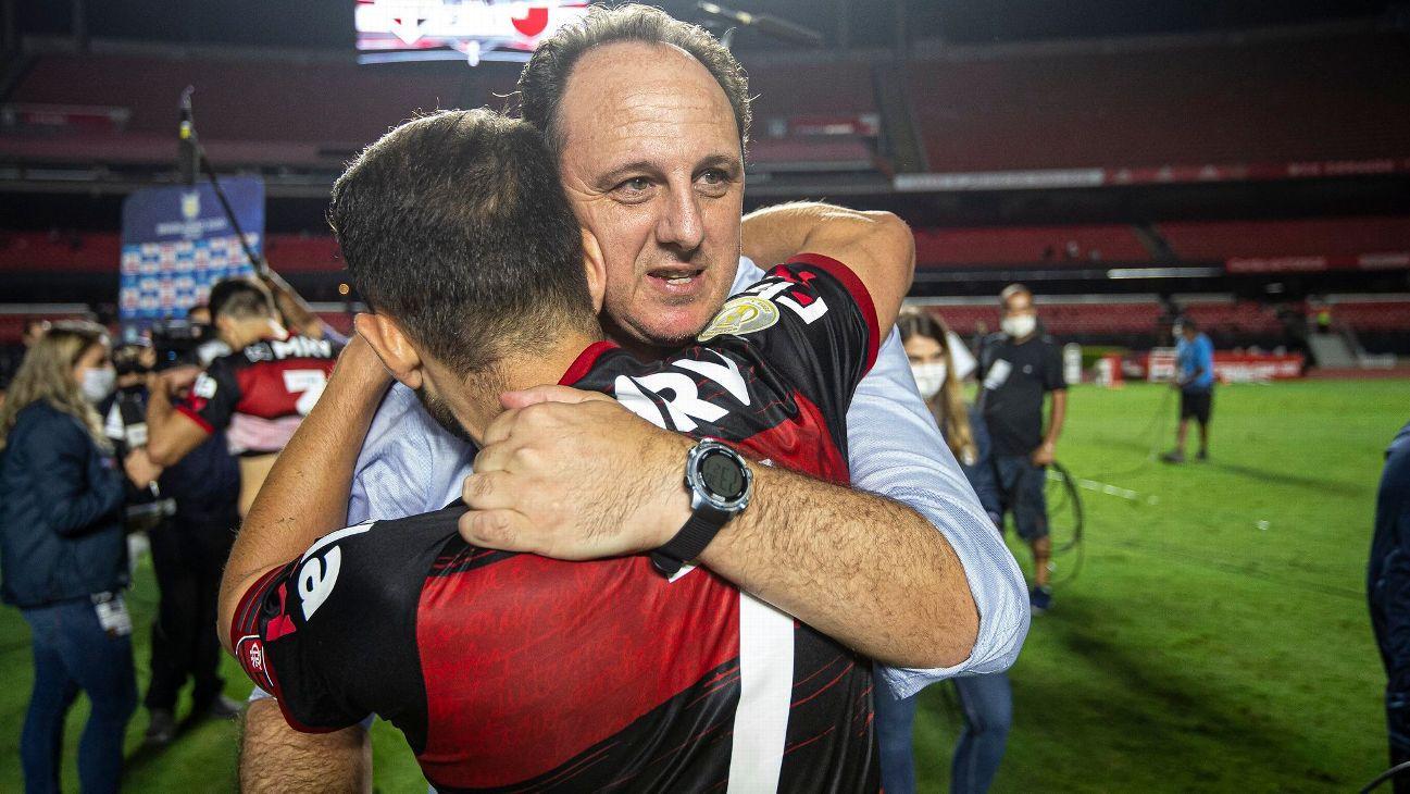 Rogério Ceni comemora a conquista do Brasileirão com o Flamengo