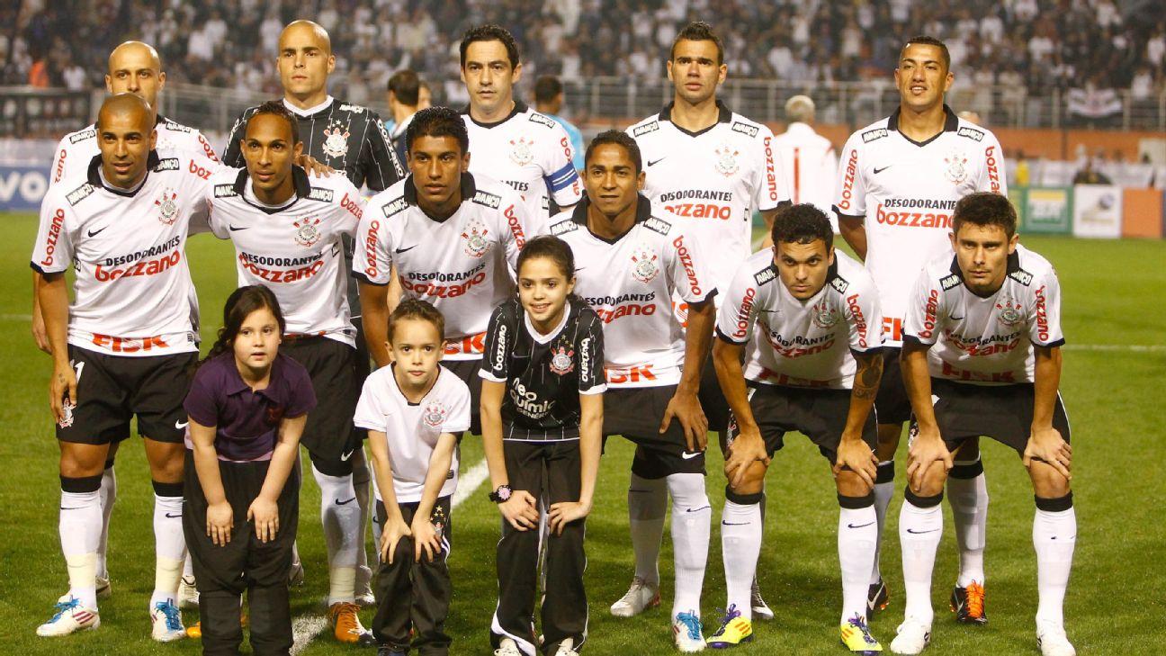 Time do Corinthians durante partida do Campeonato Brasileiro de 2011