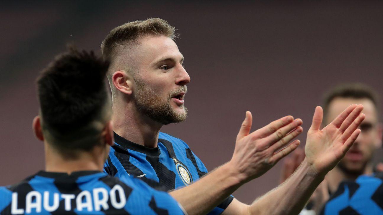 Skriniar comemorando gol sobre a Atalanta no Campeonato Italiano