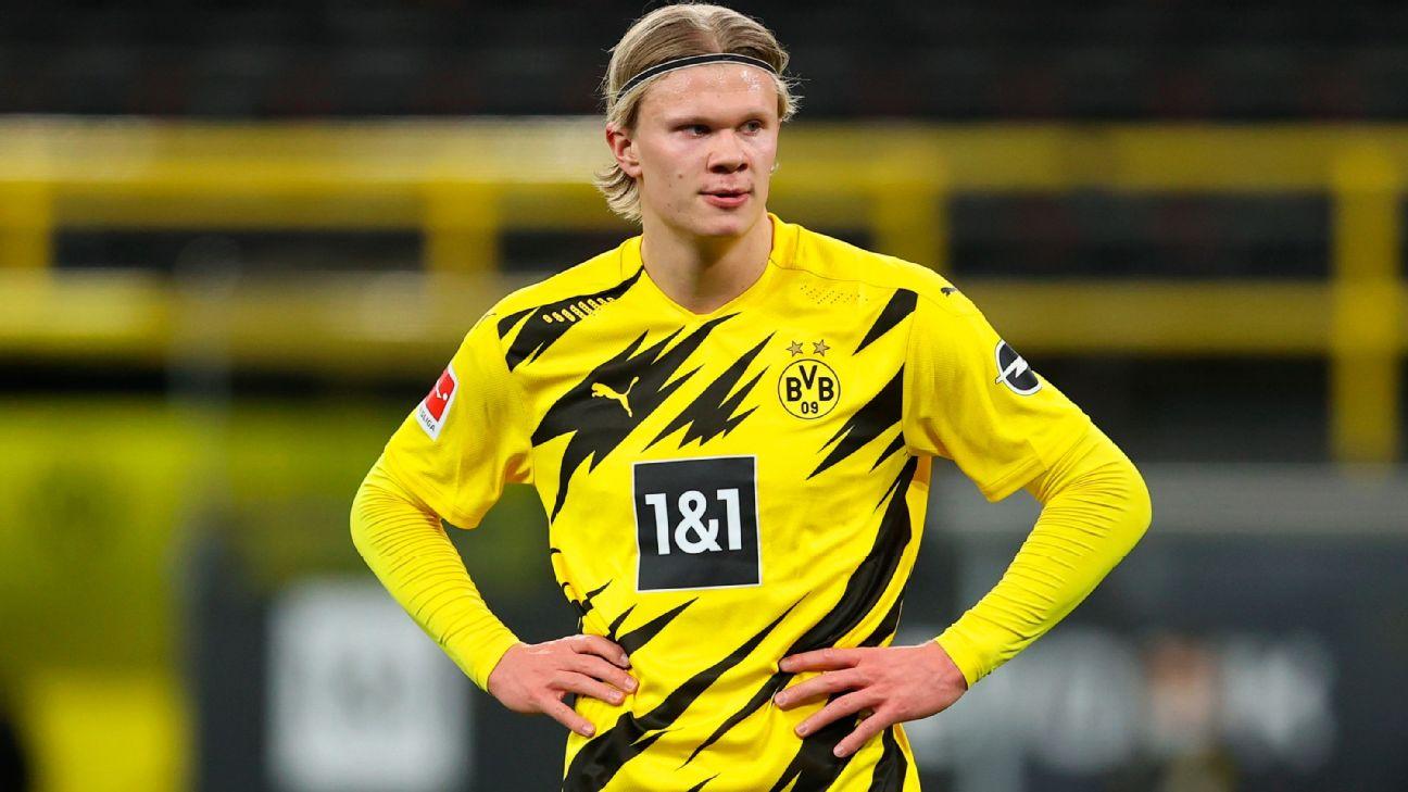 Haaland durante jogo entre Borussia Dortmund e Hertha Berlin