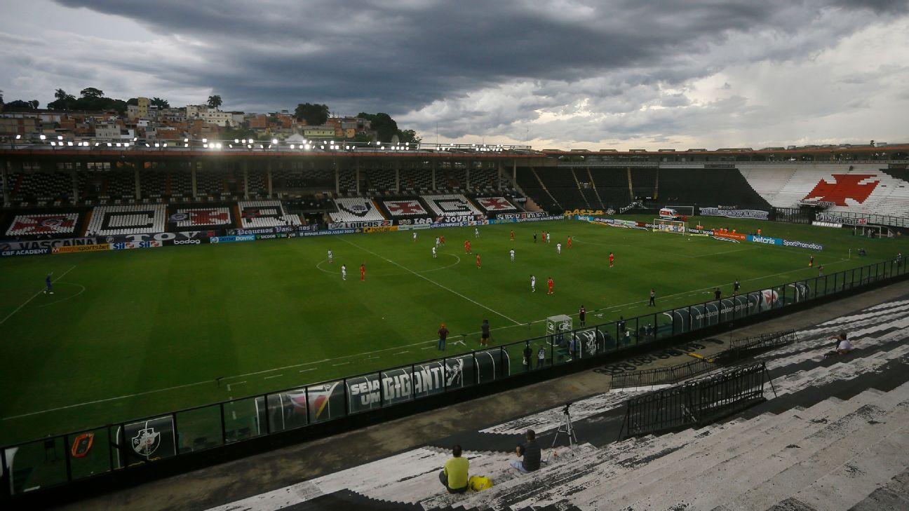 Vista de São Januário durante jogo entre Vasco e Internacional, pelo Brasileirão