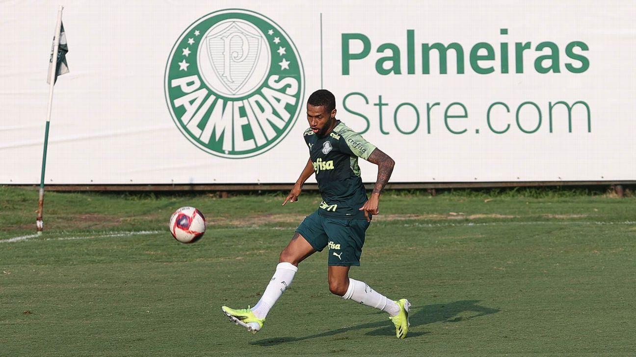 Wesley durante treino do Palmeiras, na Academia de Futebol