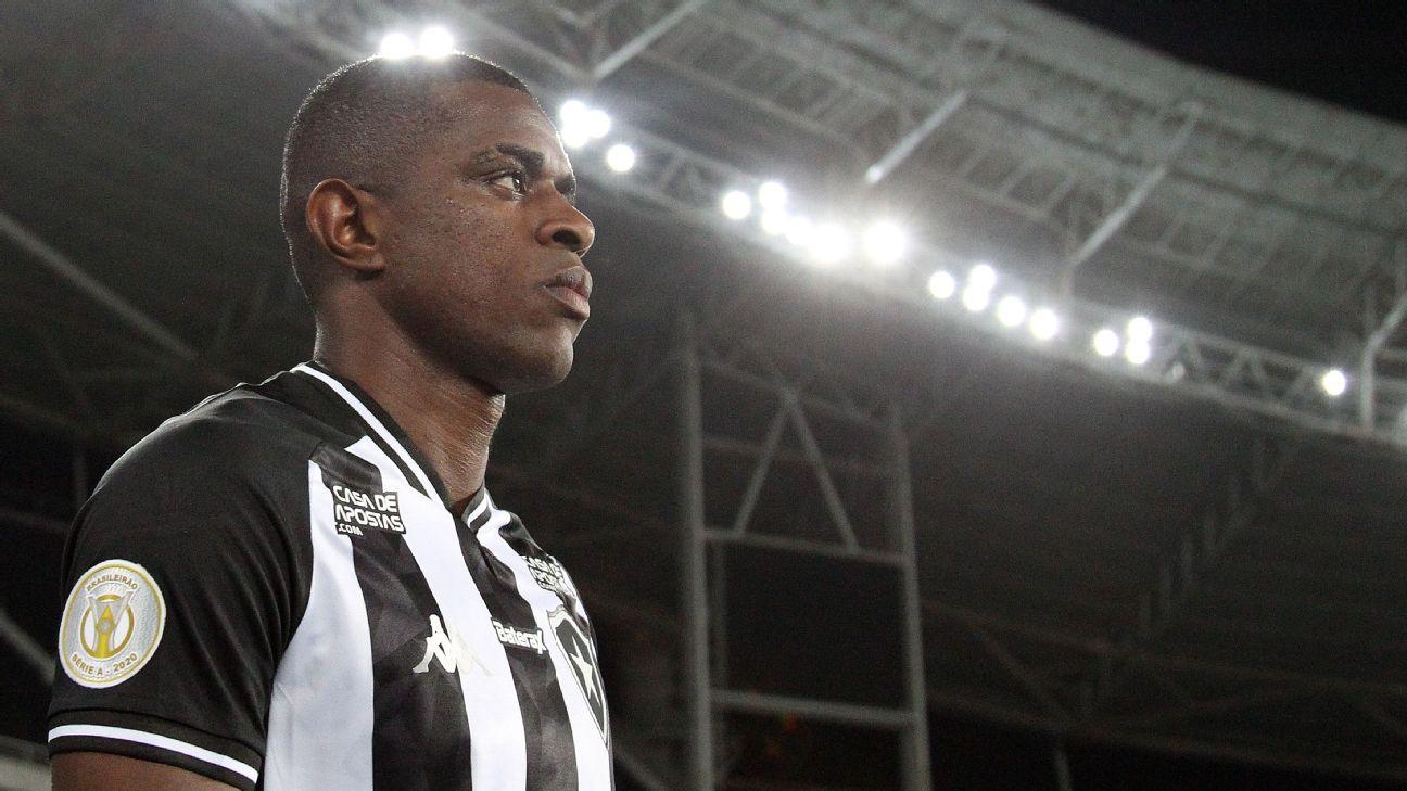 Marcelo Benevenuto antes de jogo entre Botafogo e Vasco, pela Copa do Brasil