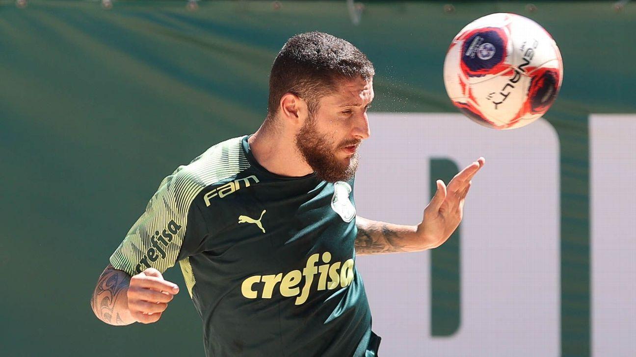 Zé Rafael durante treino do Palmeiras, na Academia de Futebol