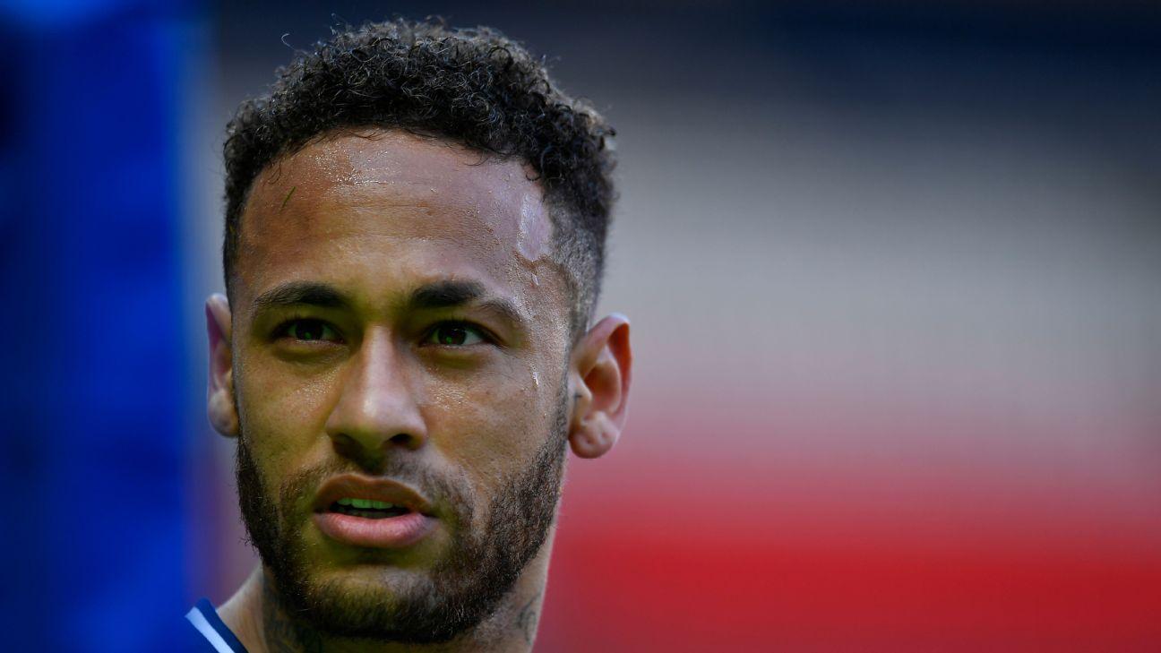 Neymar na partida entre PSG x Lille pelo Campeonato Francês