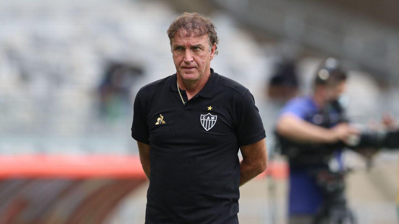 Técnico Cuca na partida entre Atlético-MG e América-MG pelo Campeonato Mineiro