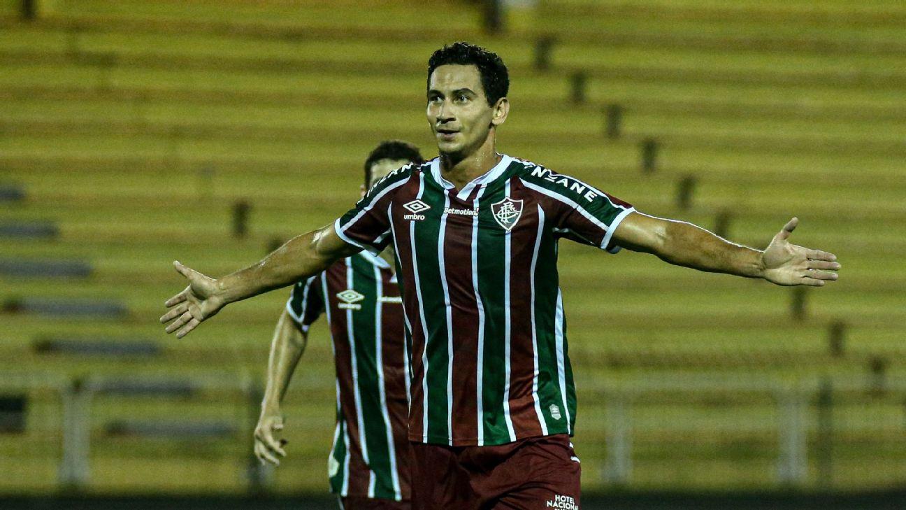 Ganso comemora quarto gol do Fluminense contra o Macaé