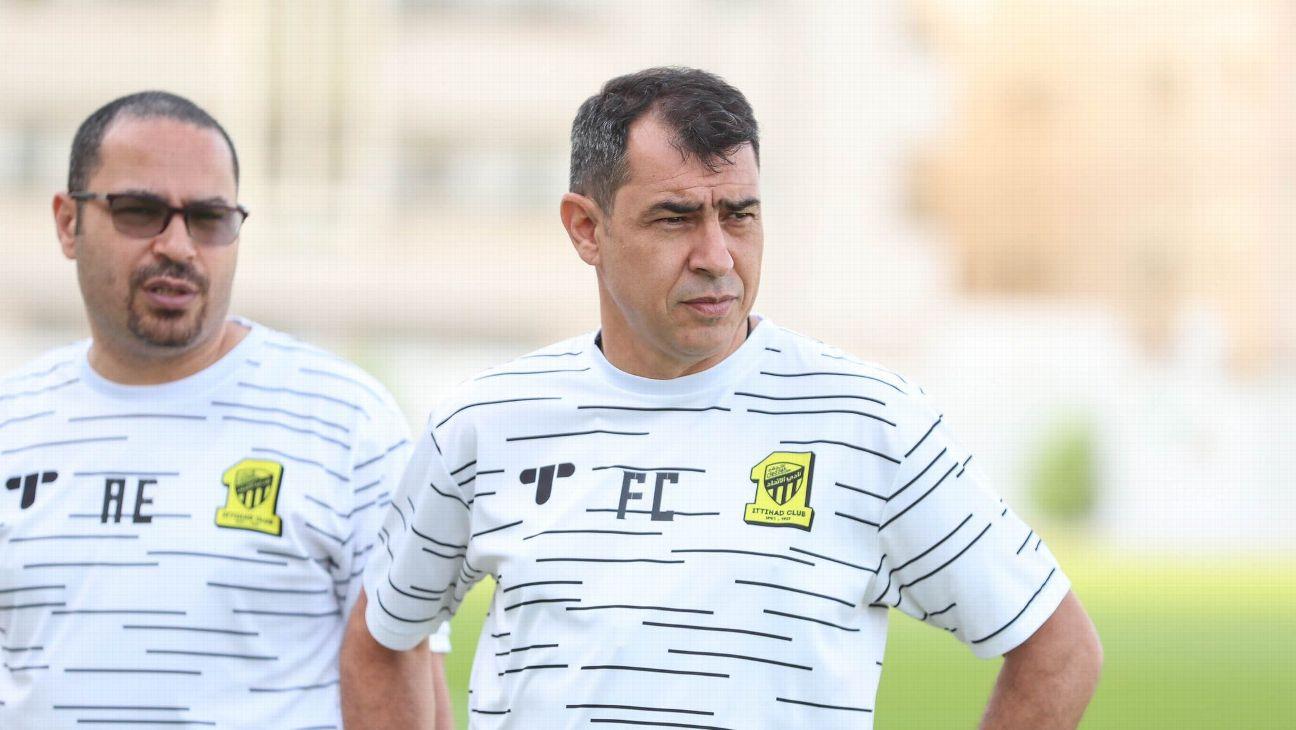 Fabio Carille durante treinamento do Al-Ittihad