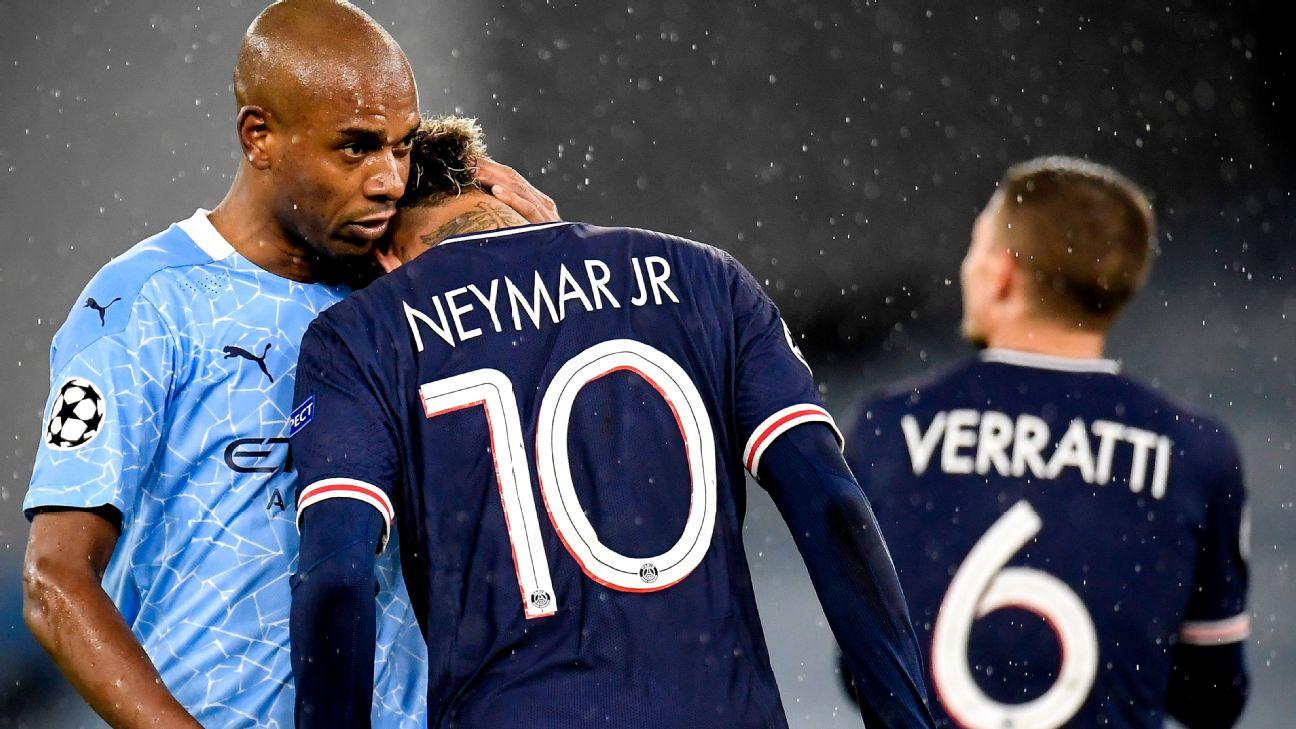Neymar é consolado por Fernandinho durante jogo entre PSG e Manchester City