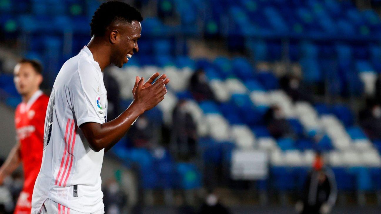 Vinicius Jr. durante jogo entre Real Madrid e Sevilla, por LaLiga