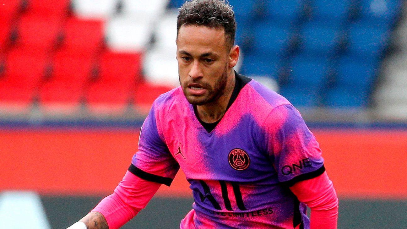 Neymar durante jogo entre PSG e Lens, pela Ligue 1