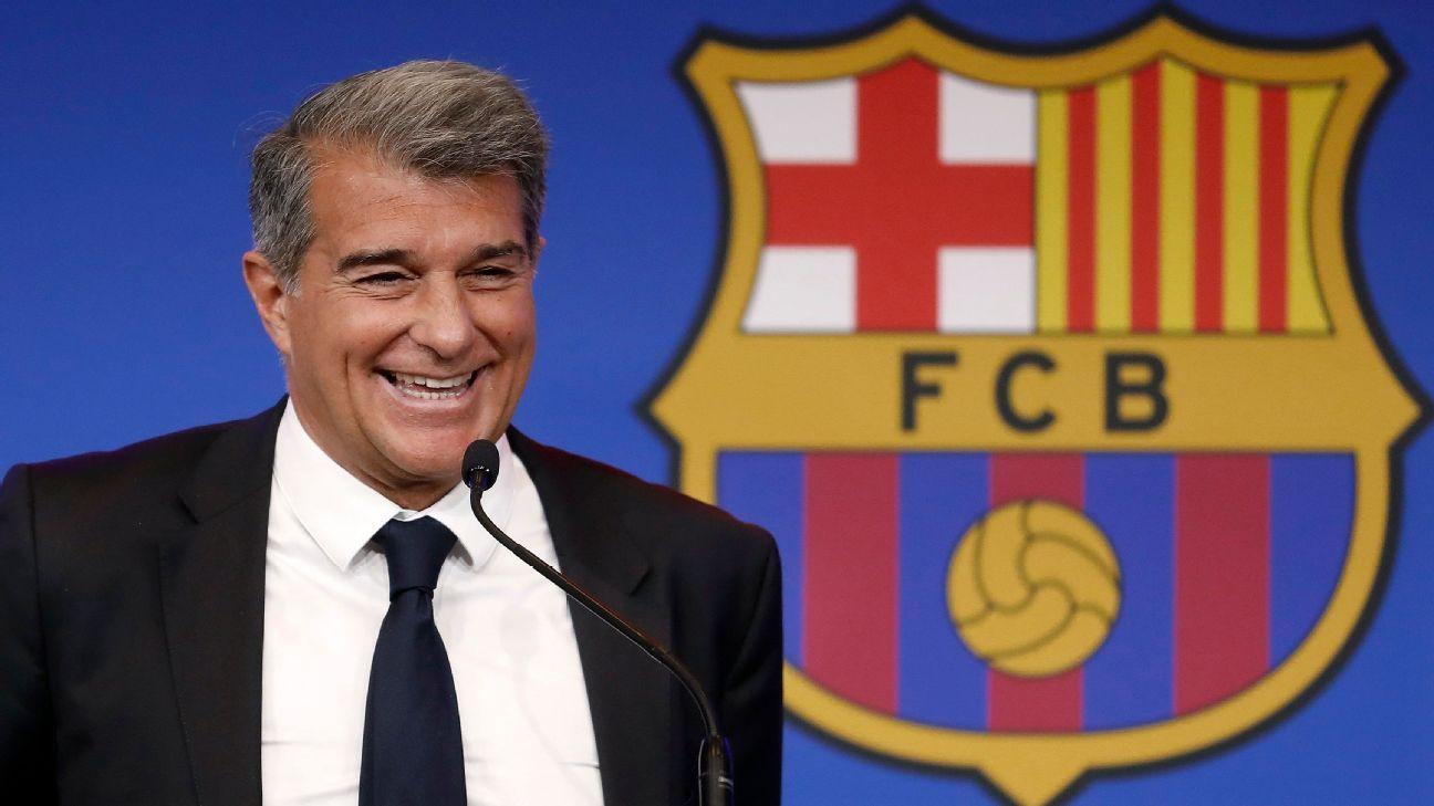 Presidente Joan Laporta durante entrevista coletiva do Barcelona