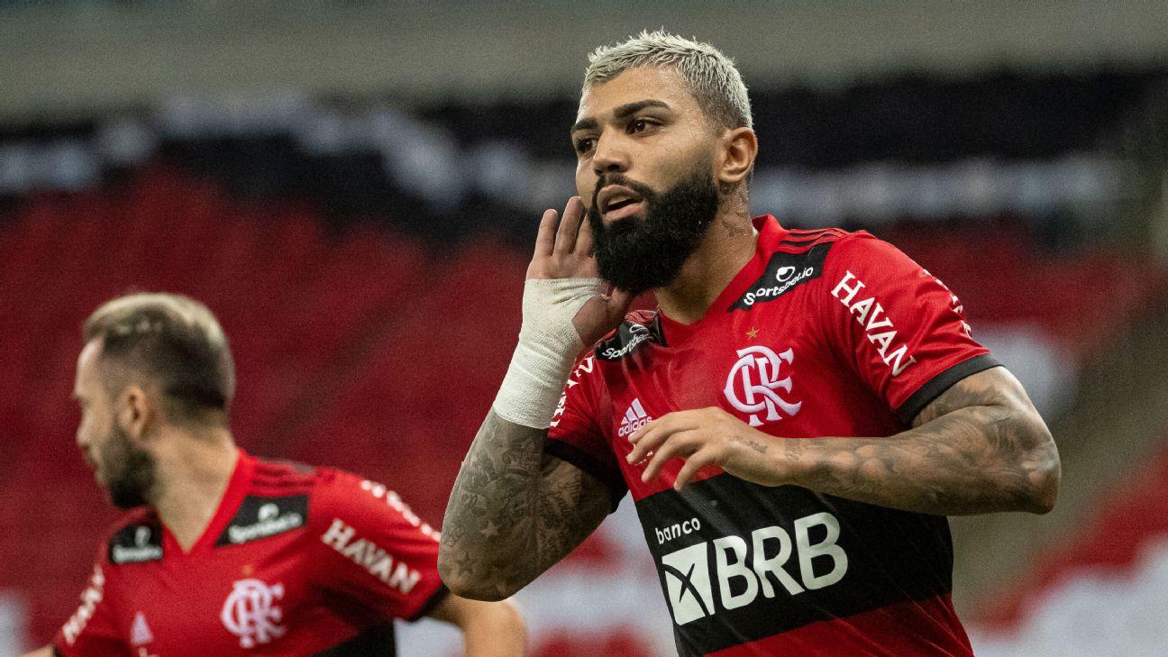 Gabigol comemorando gol pelo Flamengo no clássico com o Fluminense, no Campeonato Carioca 2021