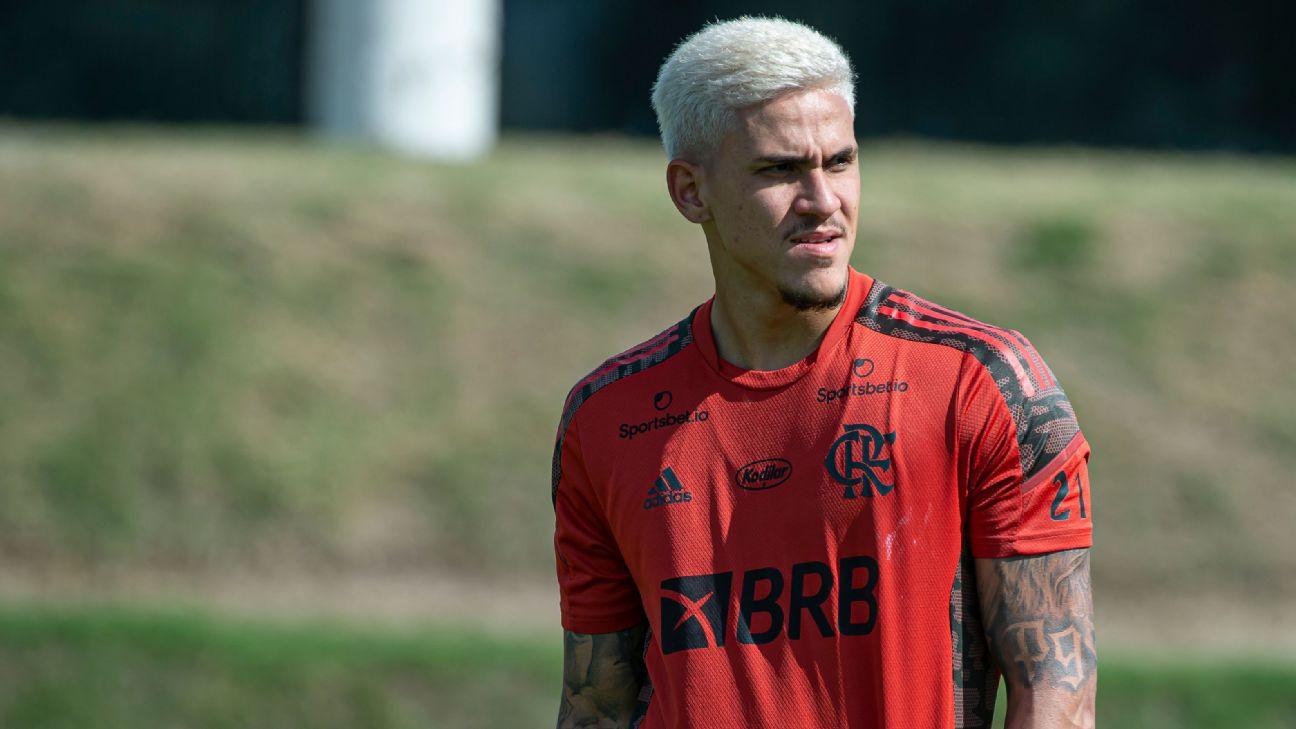 Pedro em treino do Flamengo
