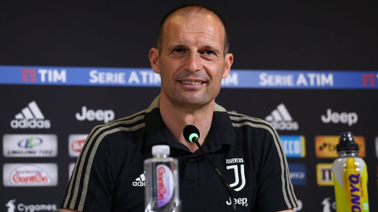 Massimiliano Allegri em entrevista coletiva pela Juventus
