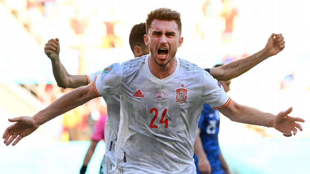 Aymeric Laporte comemora gol pela Espanha