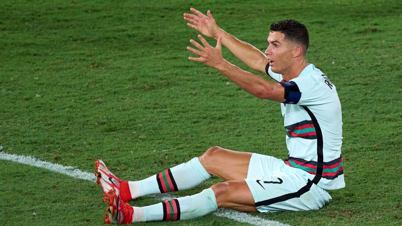 Cristiano Ronaldo em ação por Portugal na Eurocopa