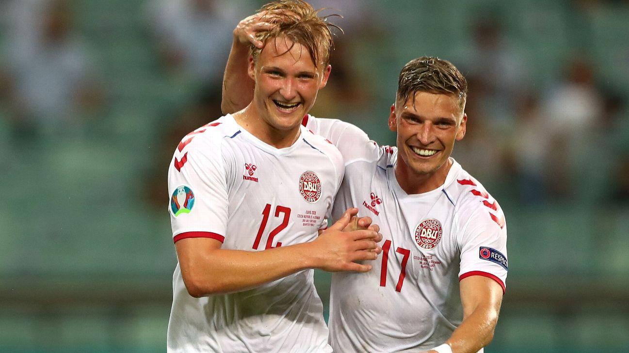 Kasper Dolberg comemora gol pela Dinamarca