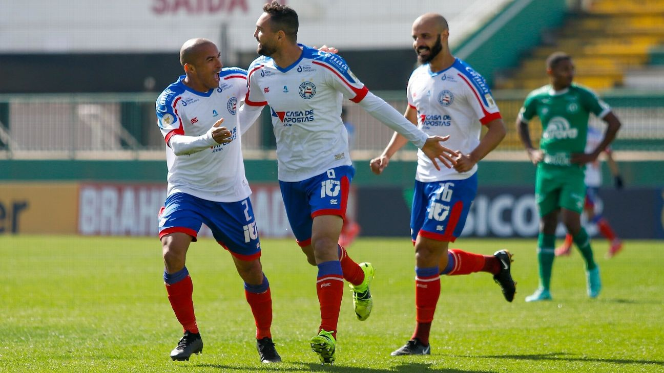 Gilberto comemorando gol do Bahia sobre a Chapecoense, no Campeonato Brasileiro 2021