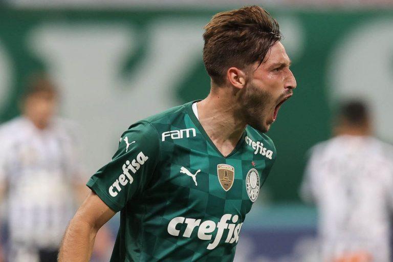 Matías Viña comemora gol em cima do Santos pelo Palmeiras