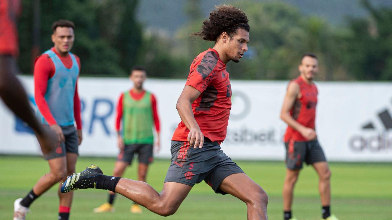 Willian Arão durante treino no Flamengo, no CT do Ninho do Urubu