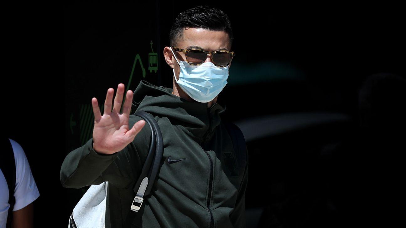 Cristiano Ronaldo chega a Lisboa após a eliminação de Portugal na Euro 2020
