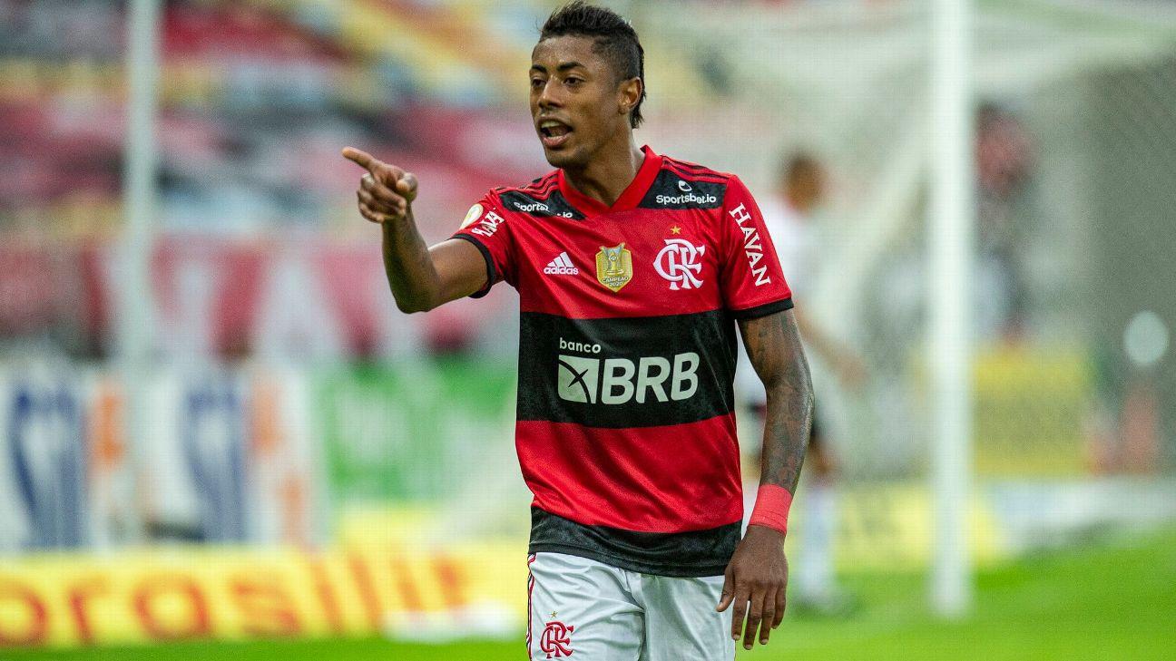 Bruno Henrique comemora após marcar para o Flamengo sobre o São Paulo