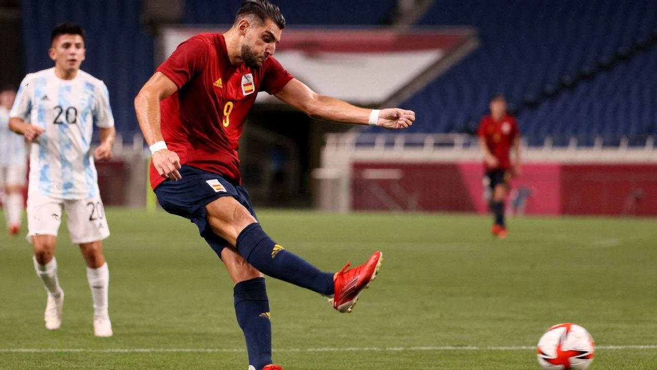 Rafa Mir em ação pela Espanha nos Jogos Olímpicos de Tóquio