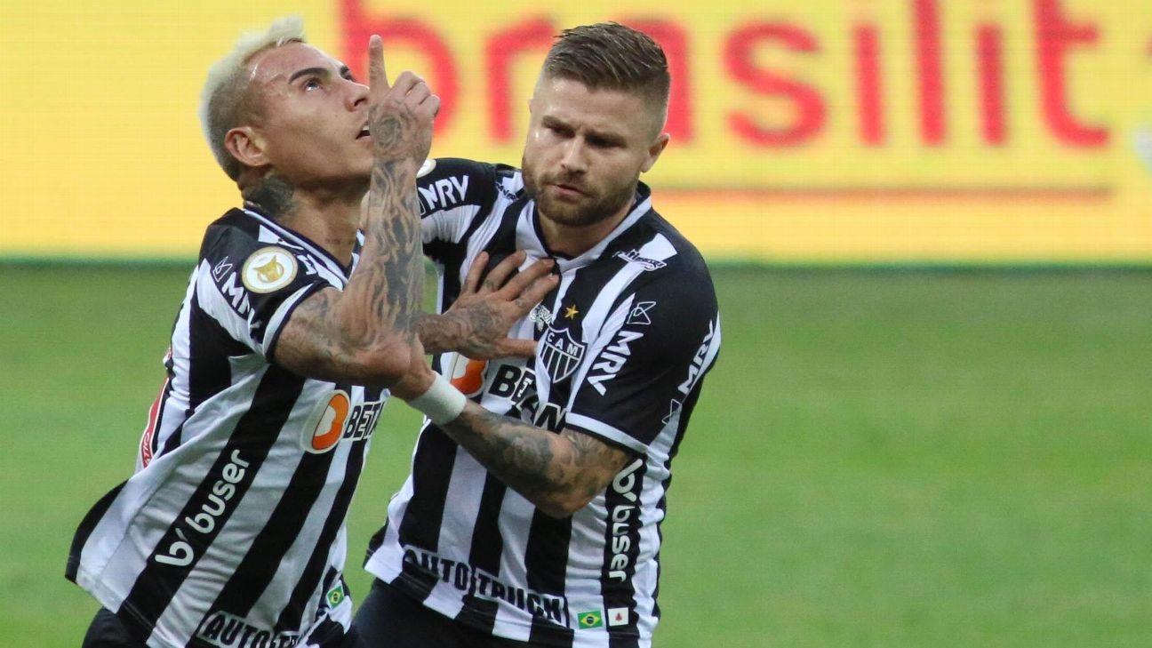 Vargas comemora gol do Atlético-MG contra o Athletico-PR