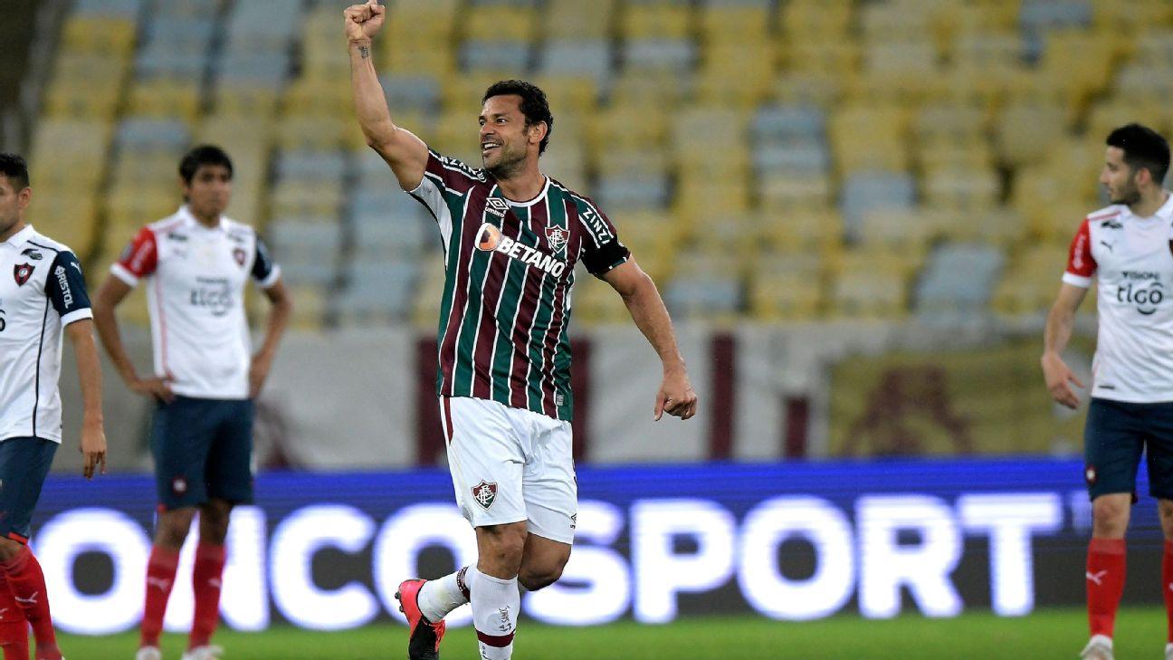 Fred comemora após marcar para o Fluminense sobre o Cerro Porteño