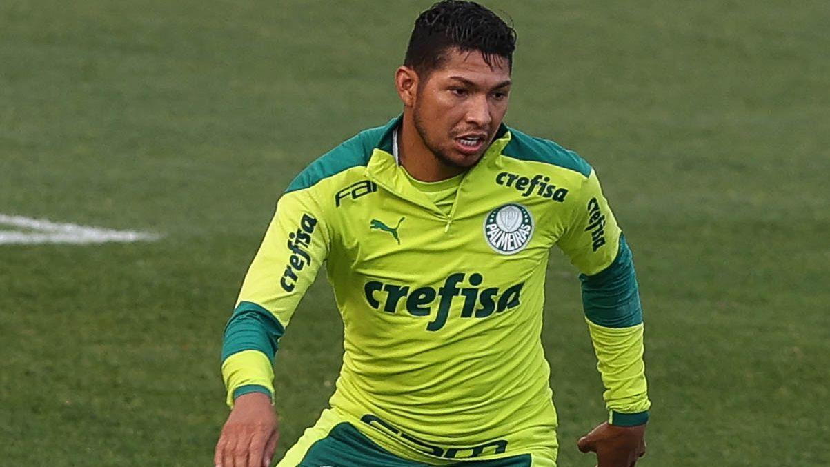 Rony durante treino do Palmeiras, na Academia de Futebol