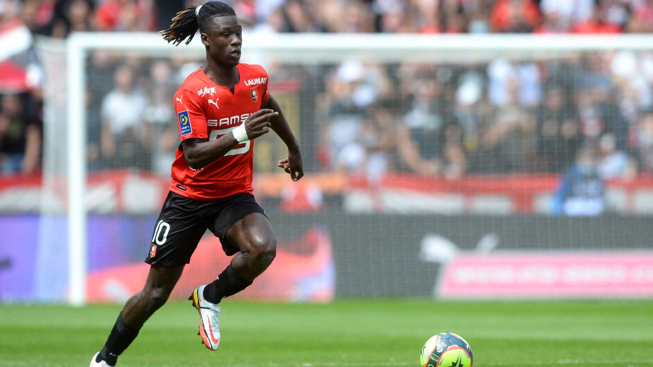 Camavinga durante jogo entre Rennes e Lens, pela Ligue 1